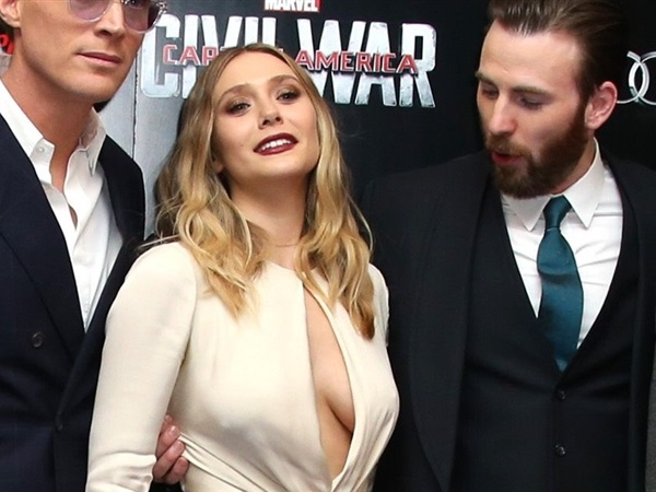 Upskirt elizabeth olsen Elizabeth Olsen