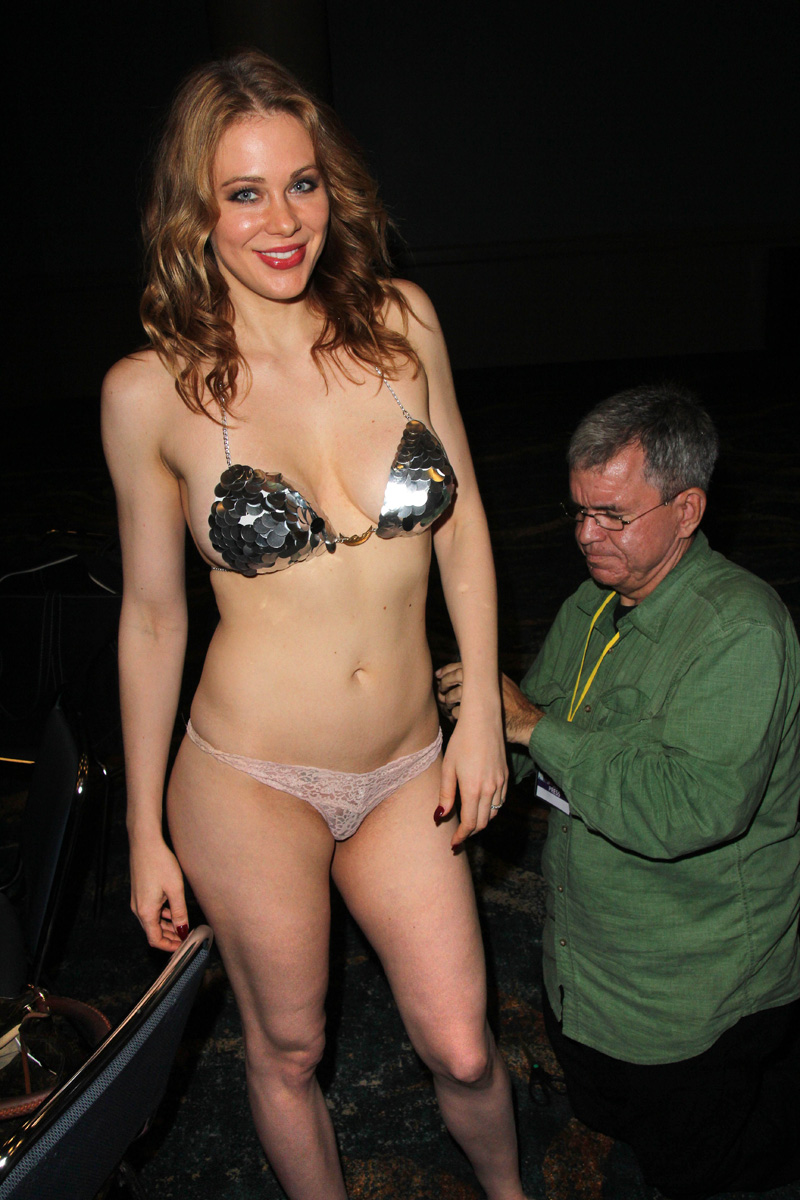 Erika Eleniak Images Body Paint Women Naked