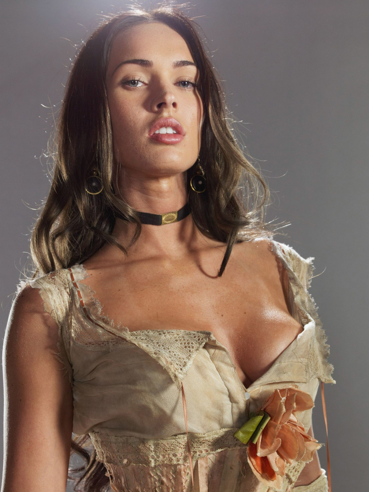 [Image: megan-fox-jonah-hex-photoshoot-21-1536x2048.jpg]