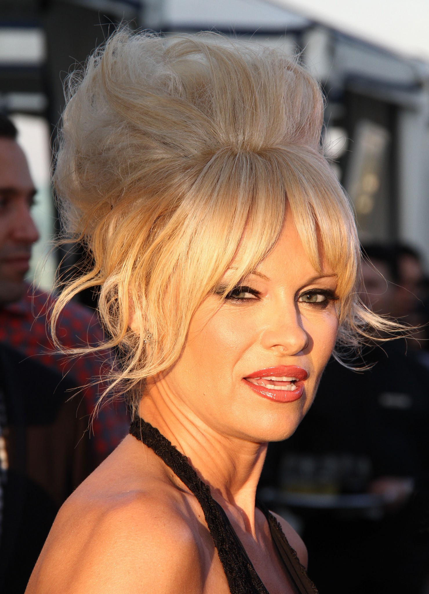 pamela-anderson-see-through-5.jpg
