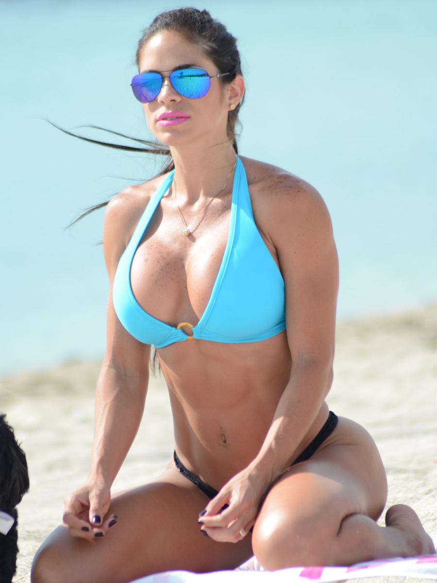 Michelle Lewin Bikini Nude Photos 8