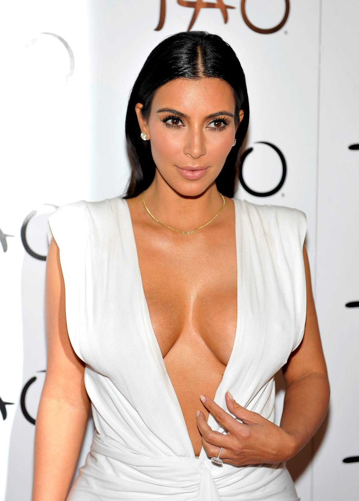 Kim Kardashian Cleavage at Tao Night Club in Las Vegas