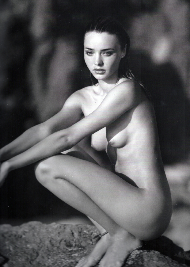 miranda-kerr-black-and-white-nude-6.jpg