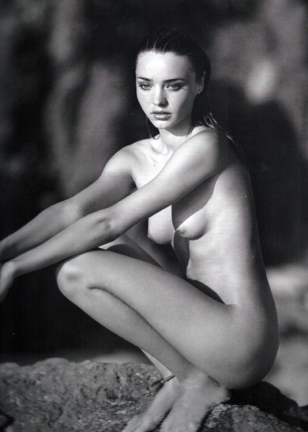 miranda-kerr-black-and-white-nude-6.jpg