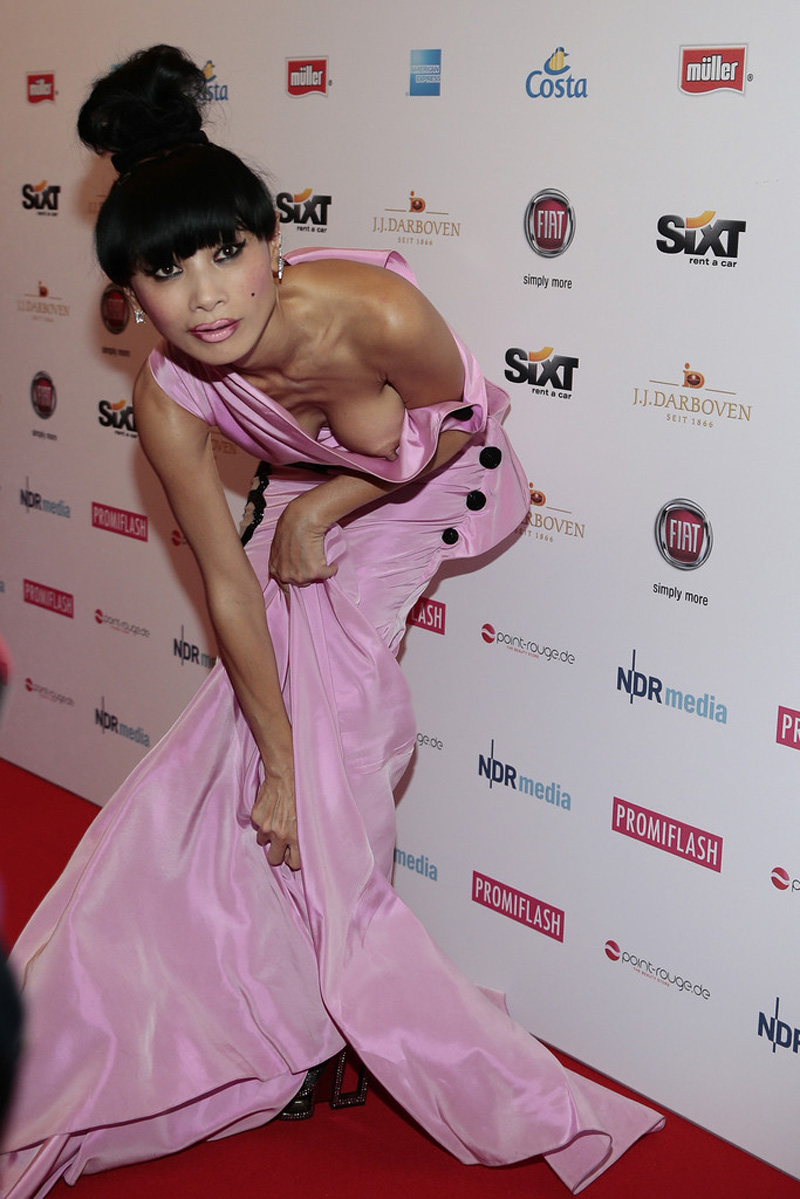 bai-ling-boob-pops-out-of-her-dress-nipple-slip-2.jpg