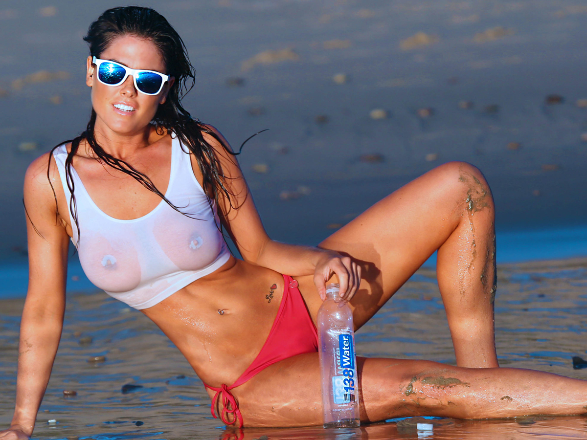 jenna-chapple-see-through-bikini-hotness-beach-photoshoot-5.jpg