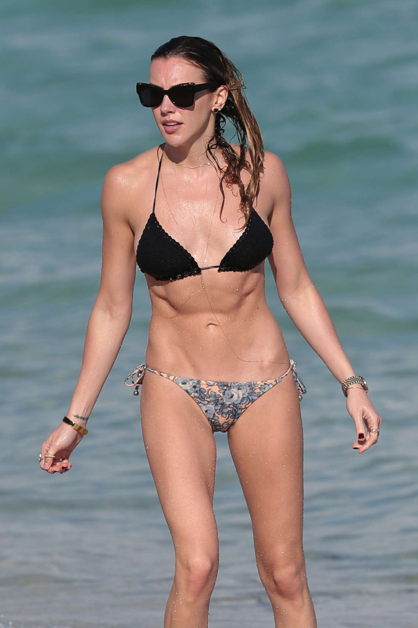 Katie Cassidy Pussy Pictures 85
