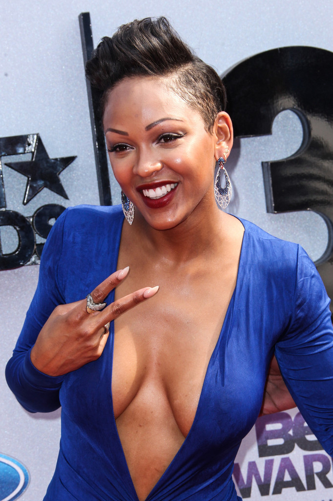meagan-good-hard-nipples-at-the-bet-awards-5.jpg