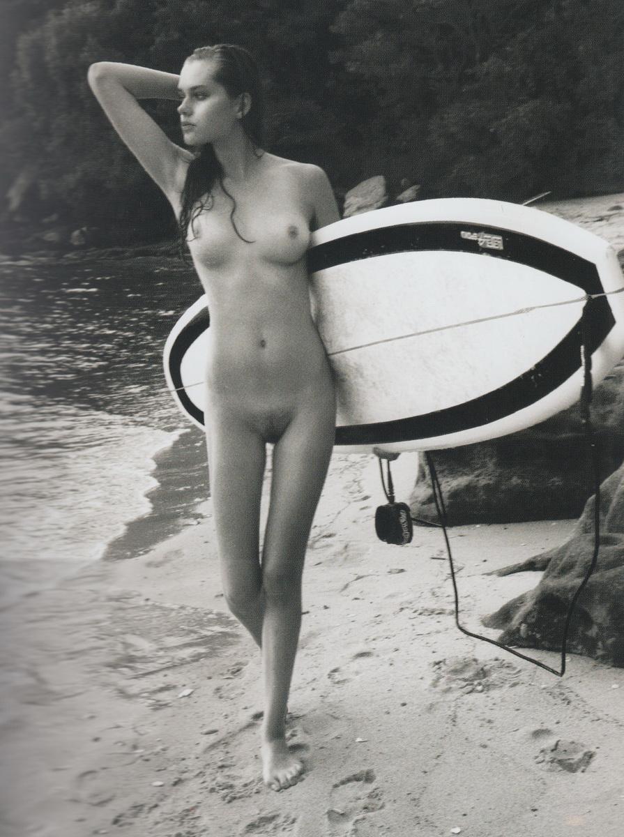 agdal nude Nina