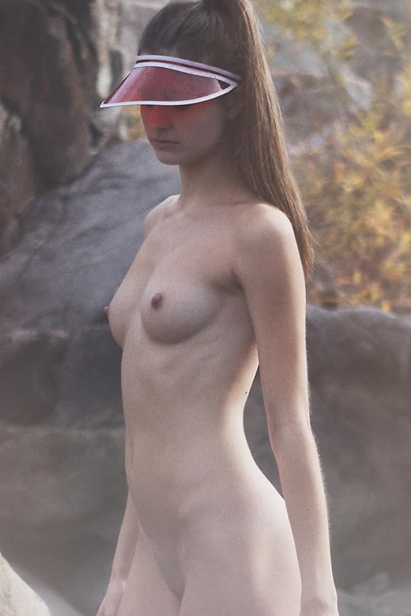 CelebGate Alyssia McGoogan Topless - 7 Photos - 2019 year