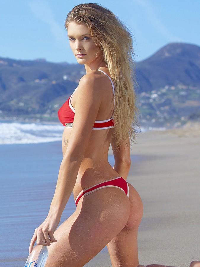 kayla-lewis-in-bikini-1