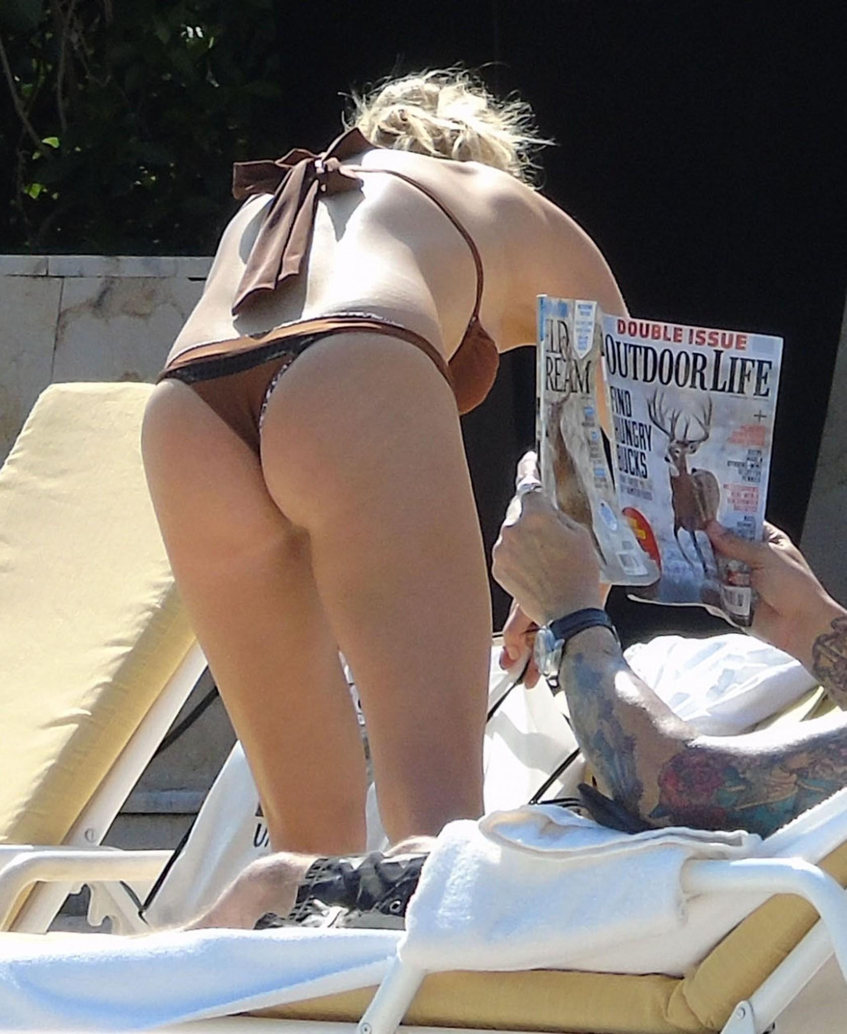 LeAnn Rimes Thong Ass in Mexico