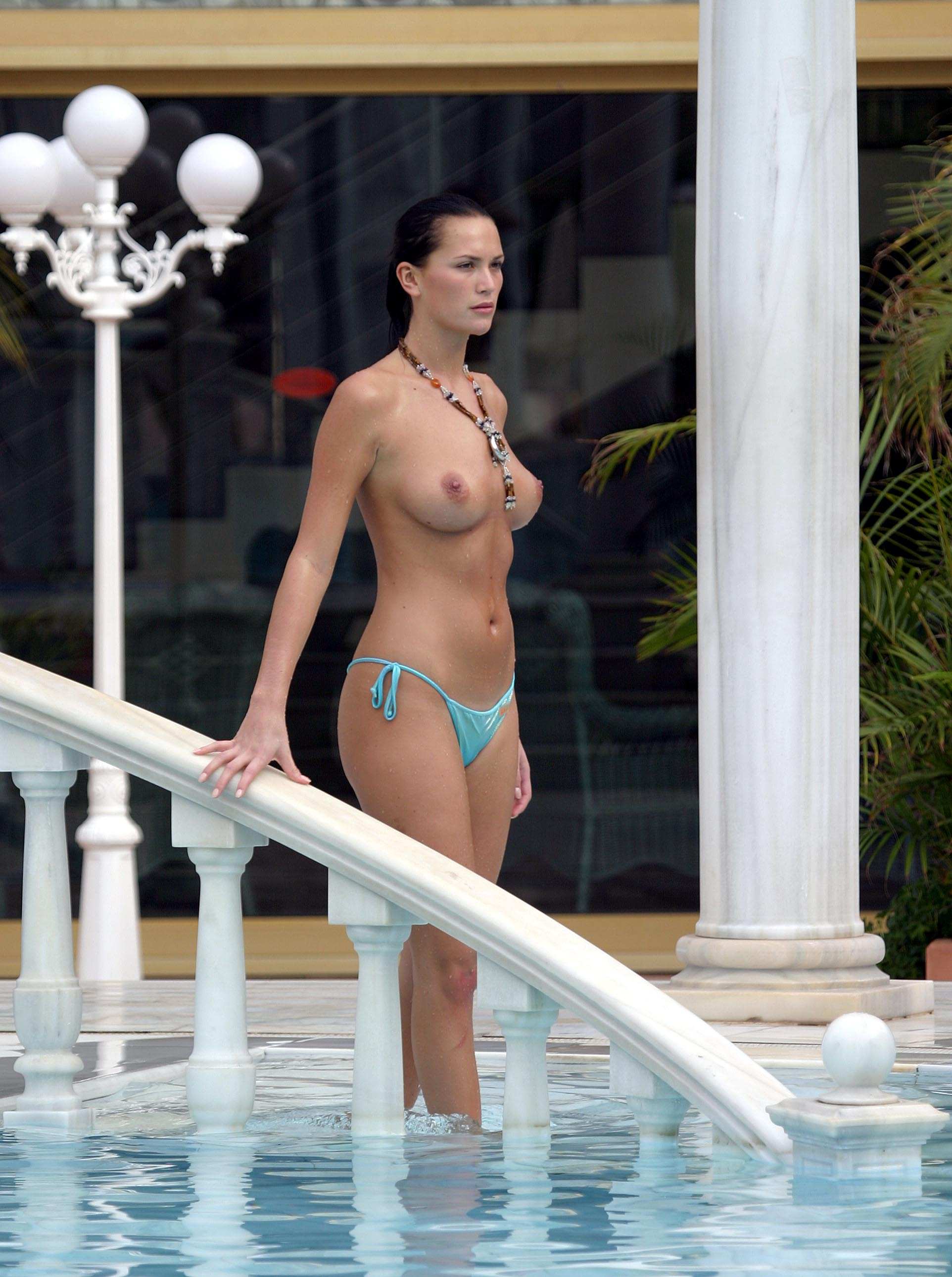 Angelique Thomas Nue lucy-clarkson-topless-2 | celebrity-slips