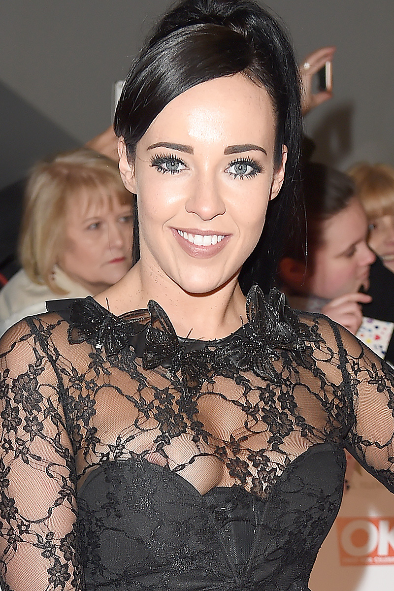 stephanie-davis-nipple-slip-2