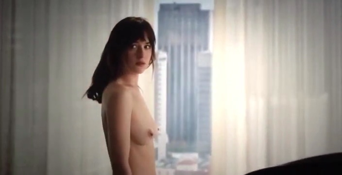 dakota-johnson-topless-in-50-shades-of-grey-6