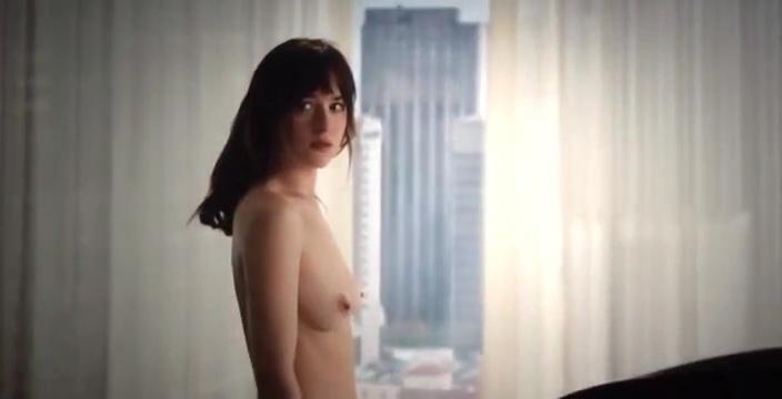 dakota-johnson-topless-in-50-shades-of-grey-6