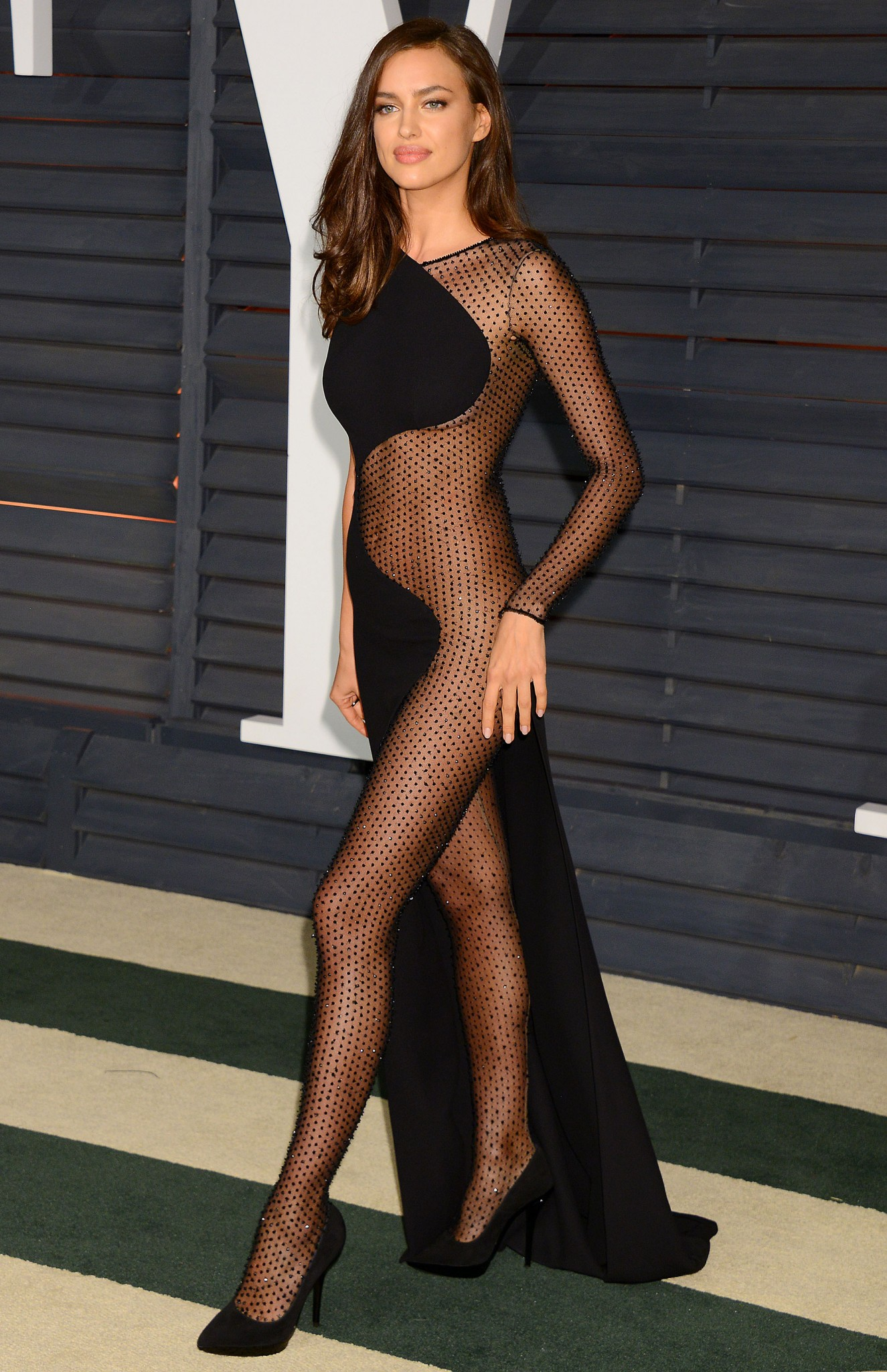 irina-shayk-see-through-at-vanity-fair-oscars-party-3