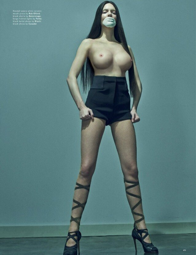 kendall-jenner-fake-boobs-for-love-magazine-5
