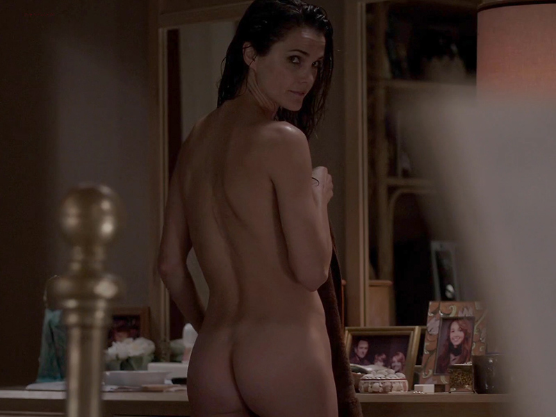 keri-russell-booty-in-the-americans-10