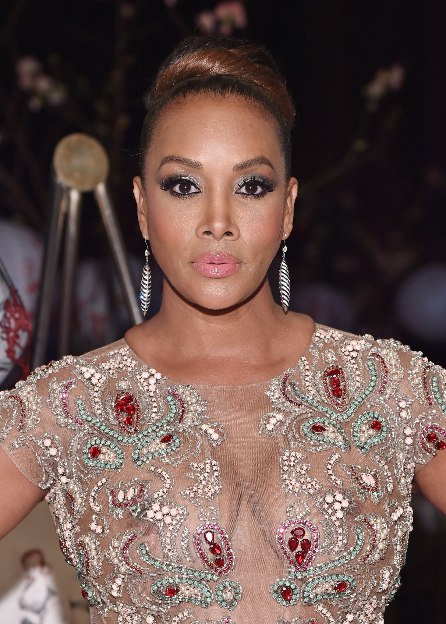 vivica-a-fox-see-through-to-nipples-11