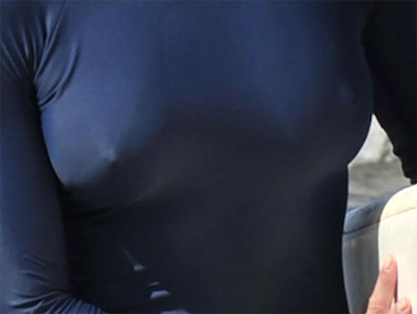brooke shields nipple slip