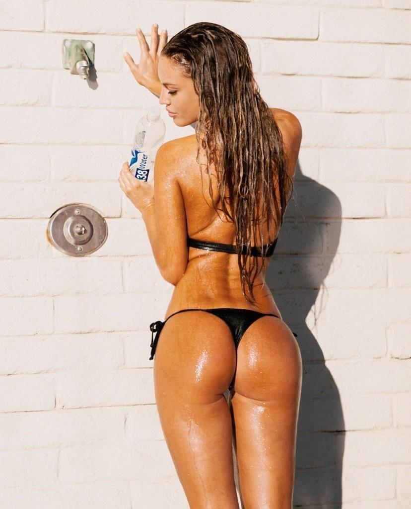 charlie-riina-bikini-photoshoot-138-water-24