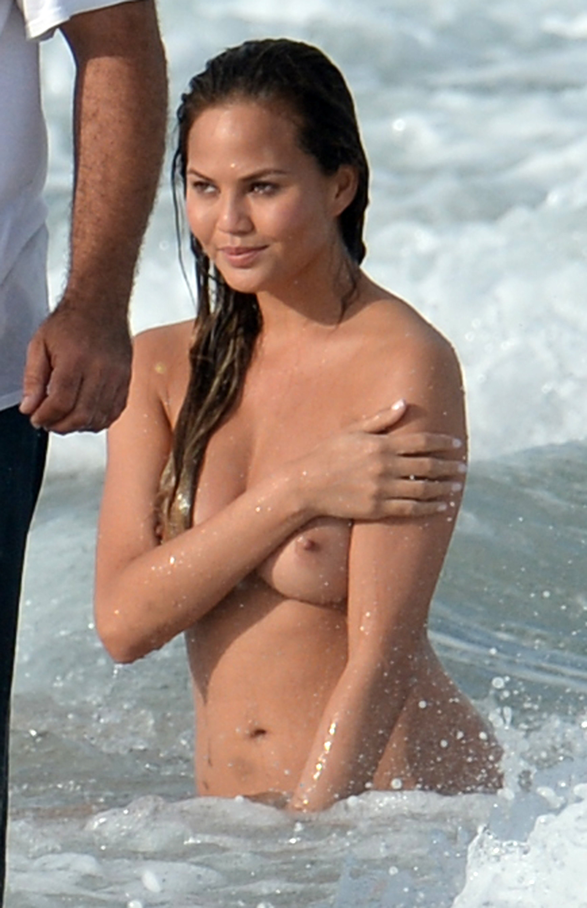 Chrissy Teigen Topless Photoshoot At Miami Beach -8477
