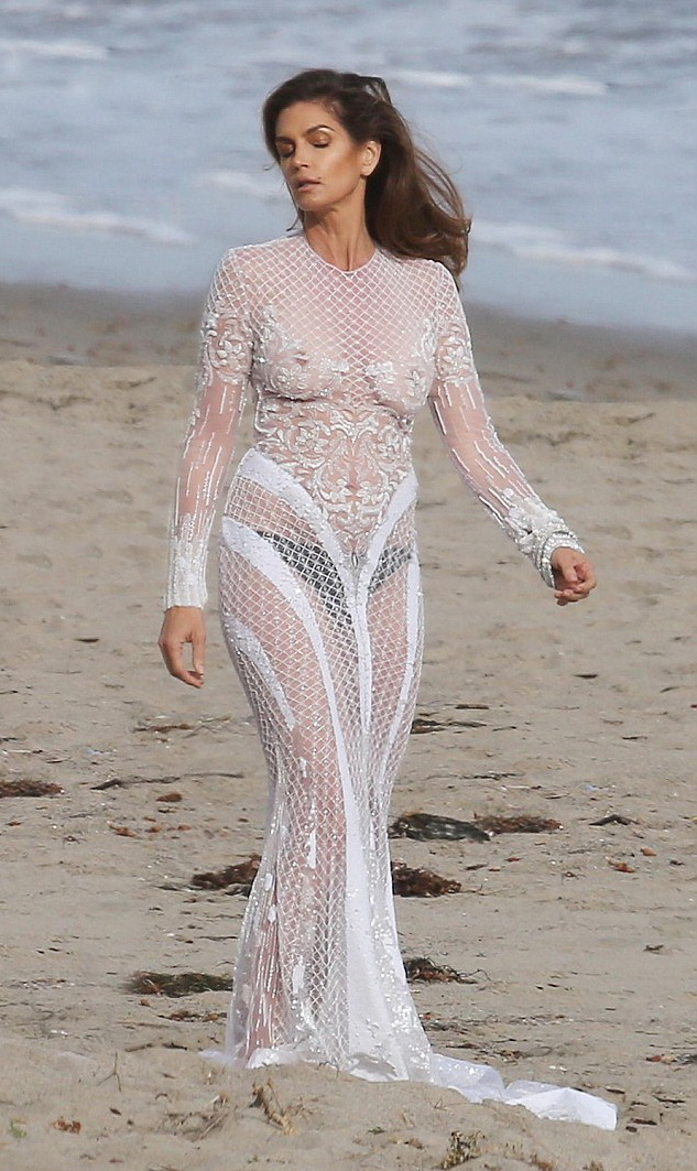 cindy-crawford-braless-see-through-white-dress-3