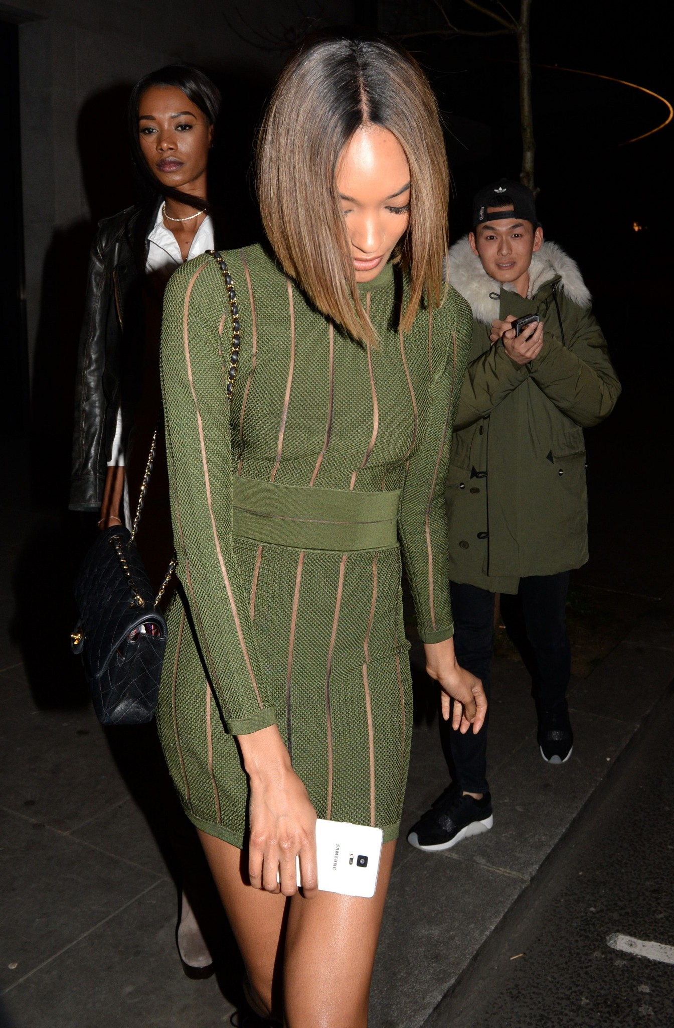 jourdan-dunn-see-through-to-areola-and-nipples-7