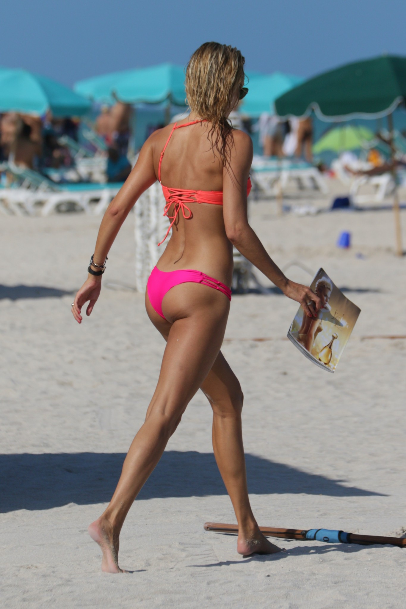lauren-stoner-wearing-a-pink-bikini-in-miami-13