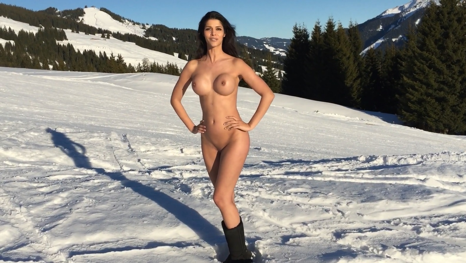 micaela-schaefer-nude-in-the-snow-3