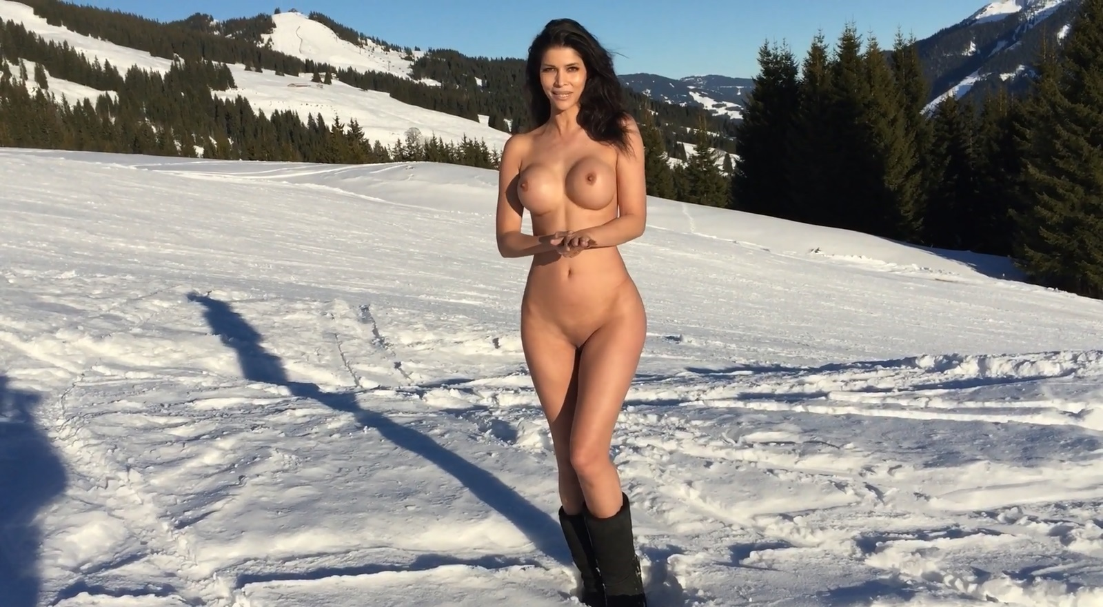 naked in snow porn