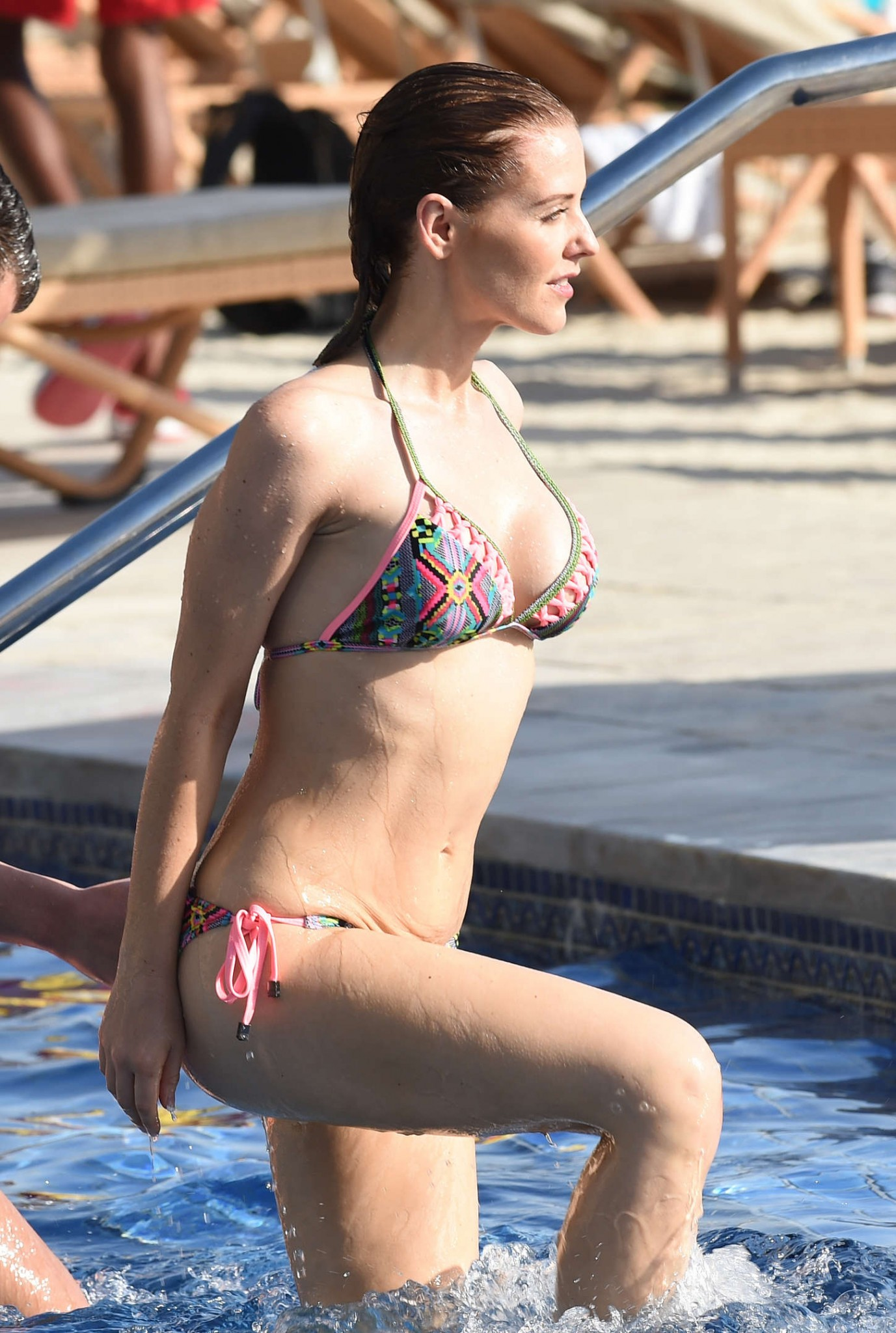 stephanie-waring-bikini-on-holiday-in-dubai-7
