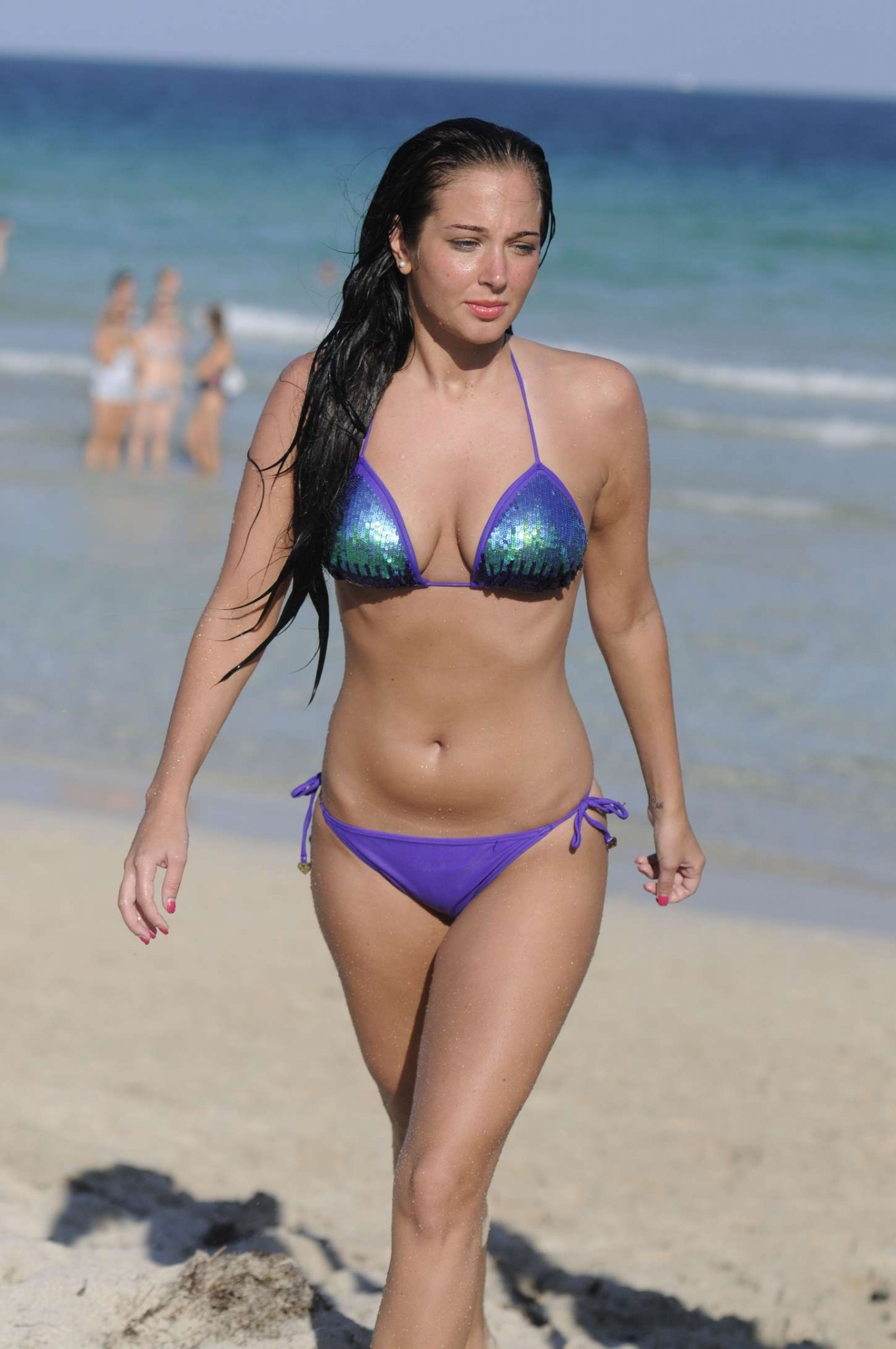 tulisa-contostavlos-bikini-in-miami-11