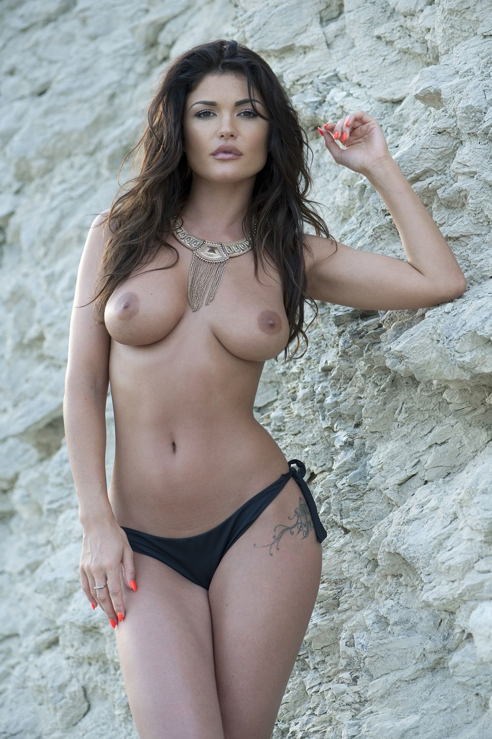 india-reynolds-topless-page-3-28-april-2
