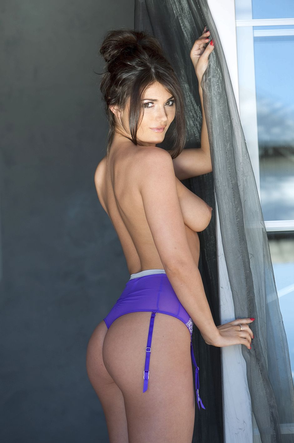 india-reynolds-topless-page-3-3