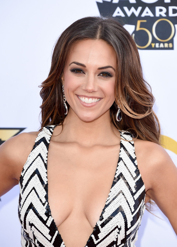 Nude pictures of jana kramer