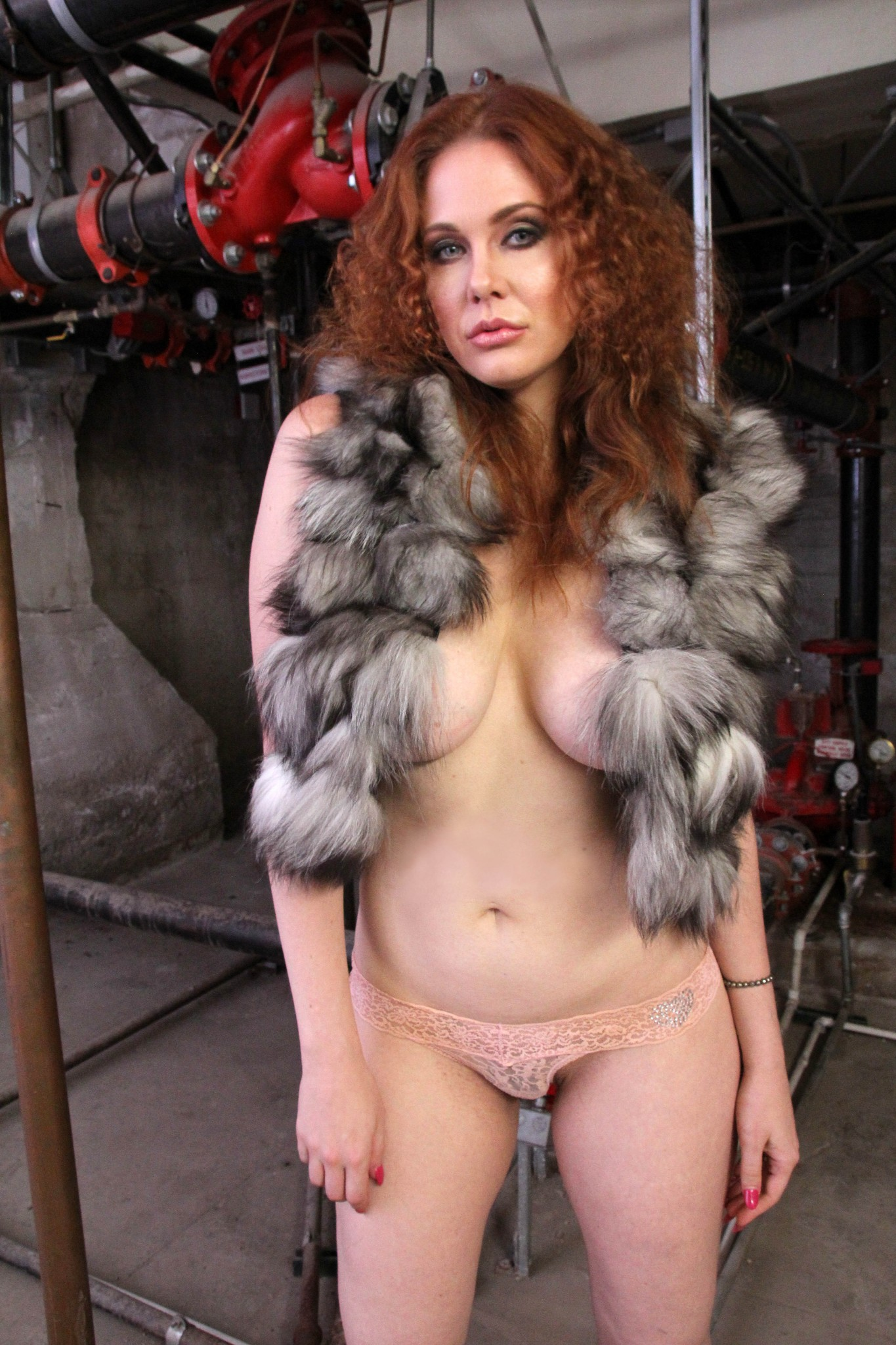 maitland-ward-topless-covered-terror-chic-photoshoot-10