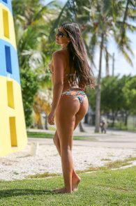 claudia-romani-bikini-shooting-in-miami-beach-1
