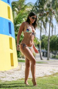 claudia-romani-bikini-shooting-in-miami-beach-11