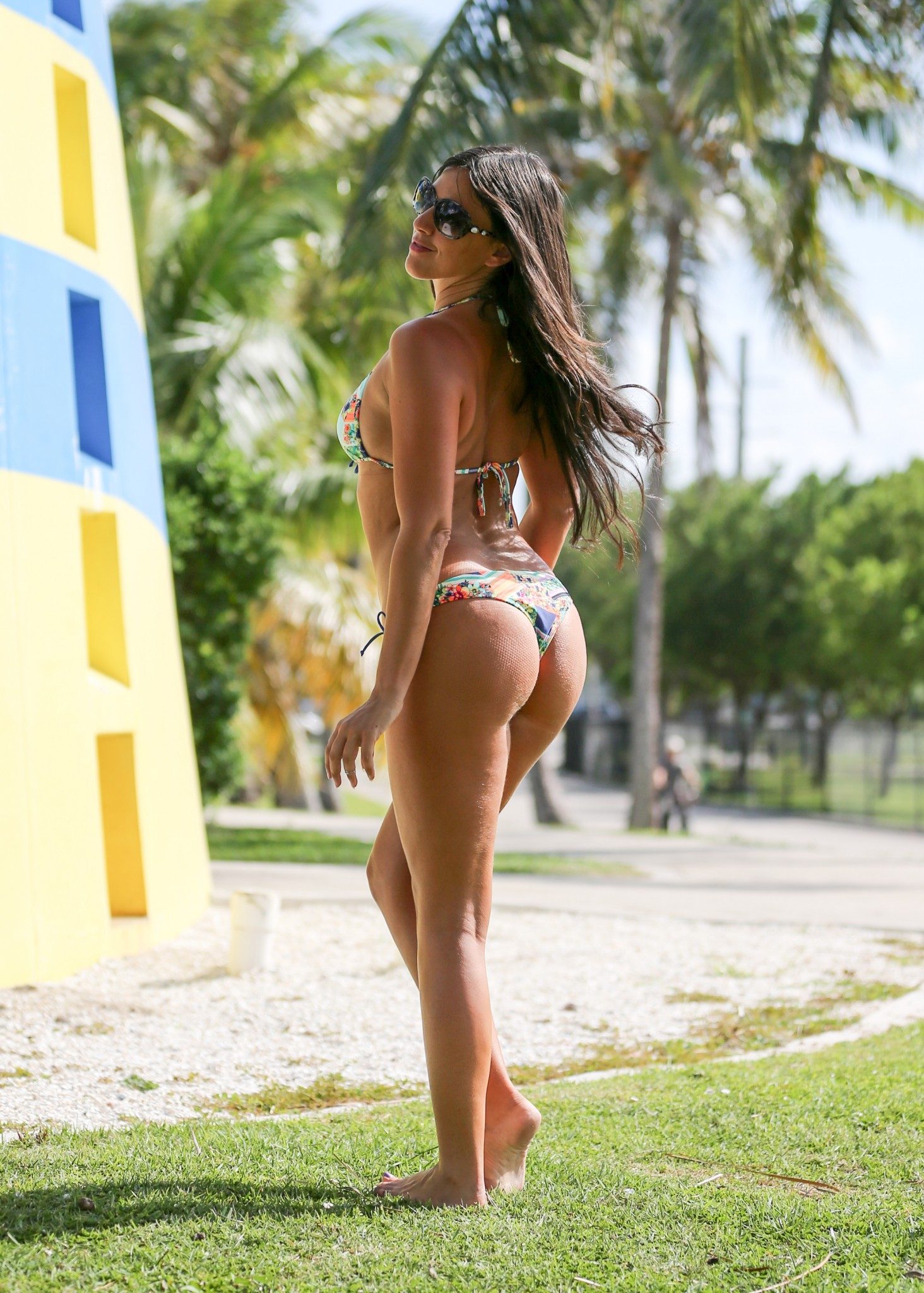 claudia-romani-bikini-shooting-in-miami-beach-4