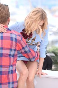 diane-kruger-upskirt-in-cannes-8