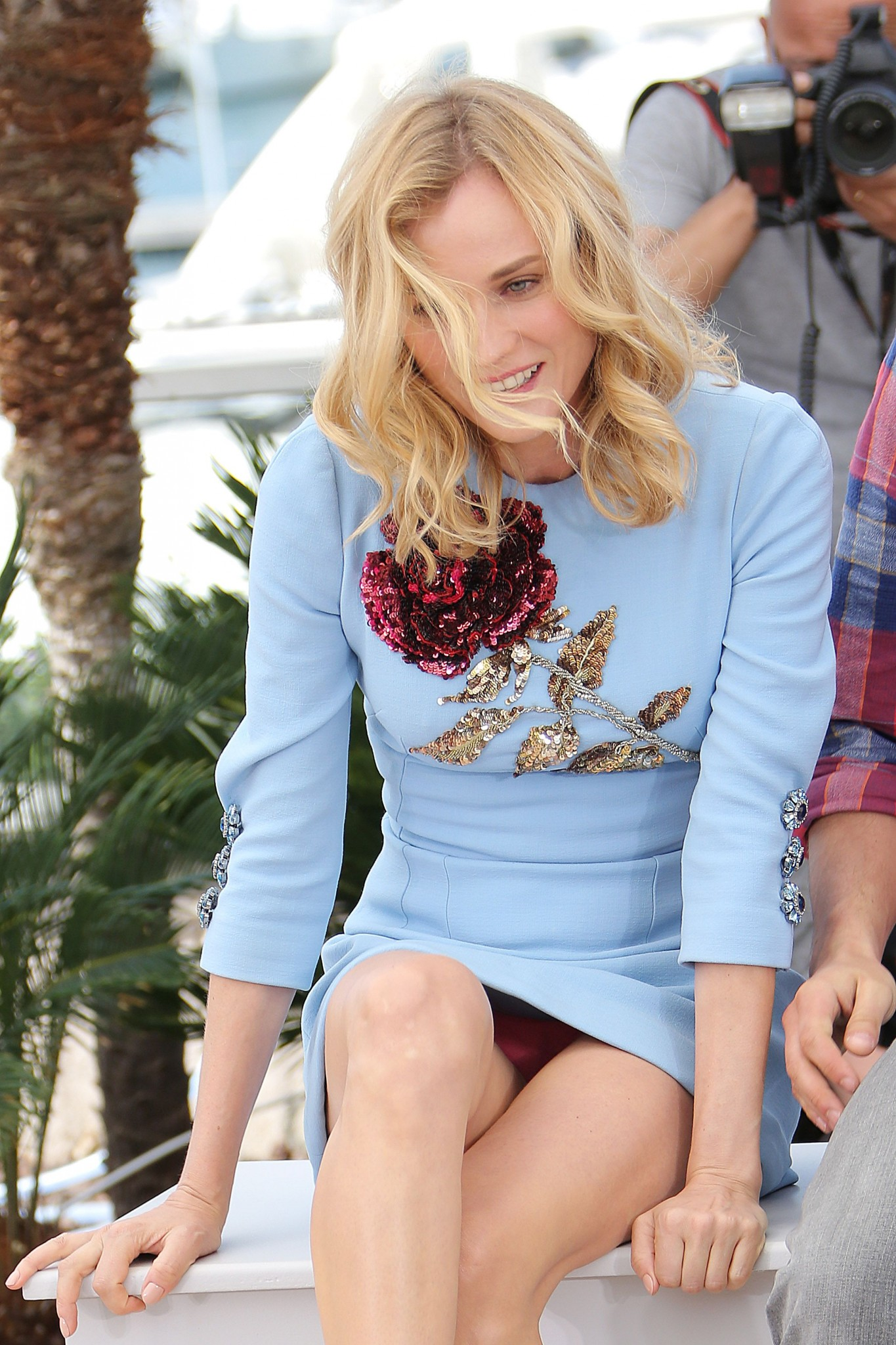 diane-kruger-upskirt-in-cannes-9