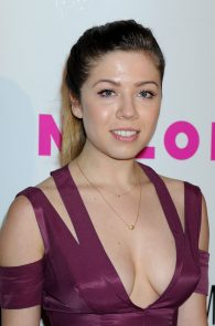 jennette-mccurdy-cleavage-at-nylon-young-hollywood-party-6