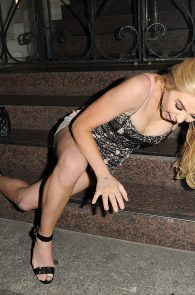 melissa-reeves-drunk-pantyless-night-out-27