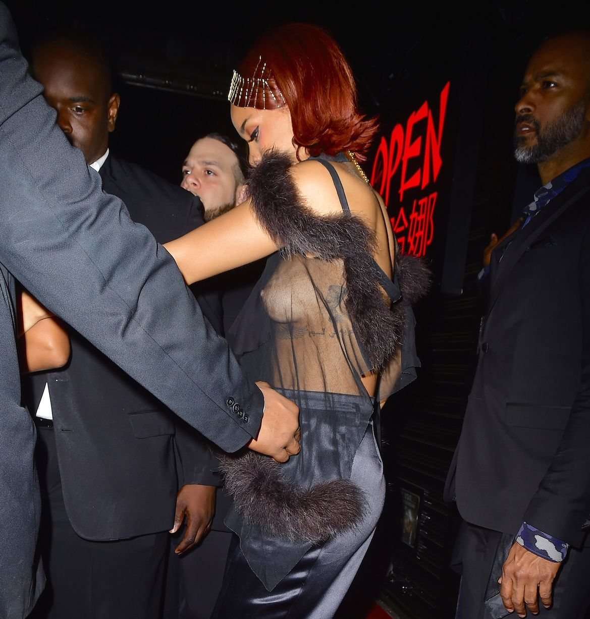rihanna-nipple-slip-at-met-gala-after-party-13