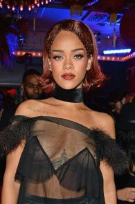 rihanna-nipple-slip-at-met-gala-after-party-14