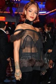rihanna-nipple-slip-at-met-gala-after-party-15