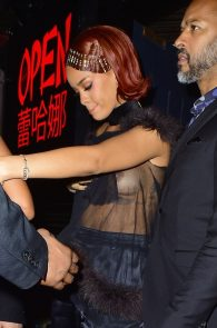 rihanna-nipple-slip-at-met-gala-after-party-9