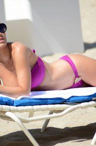 ana-braga-bikini-body-in-miami-11